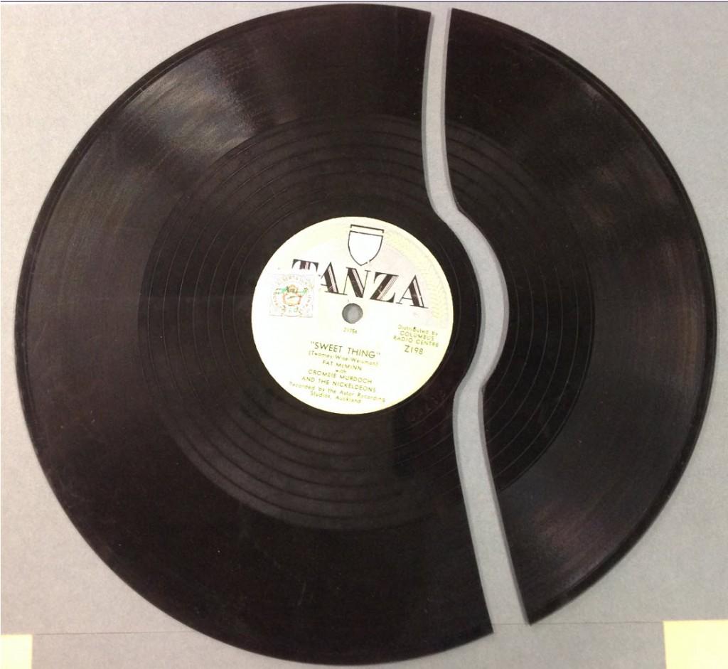 Broken disc Hocken Collections